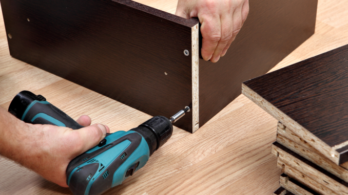 how to drive screws into wood